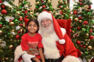 Santa at Outlets