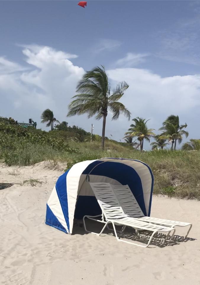 Seagate Beach Club cabana